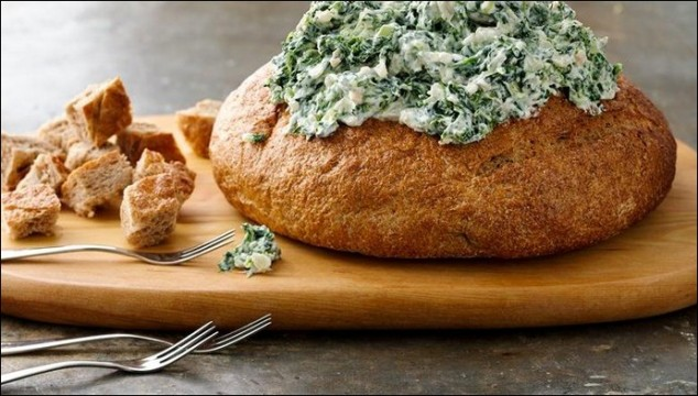 bread-bowl-spinach-dip-knorr